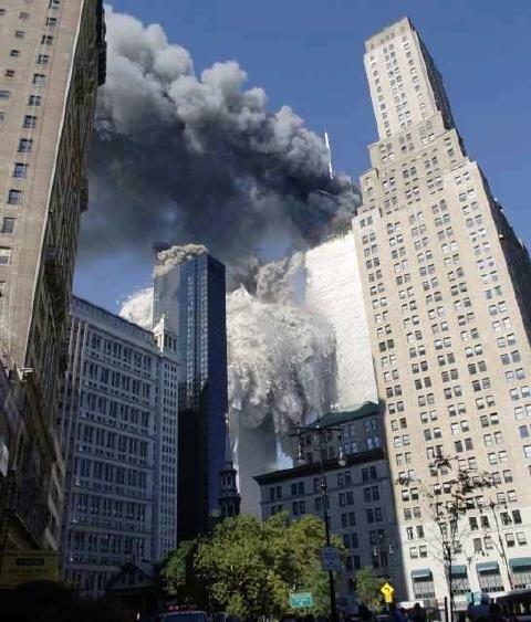 fotos de las torres gemelas destruidas 20