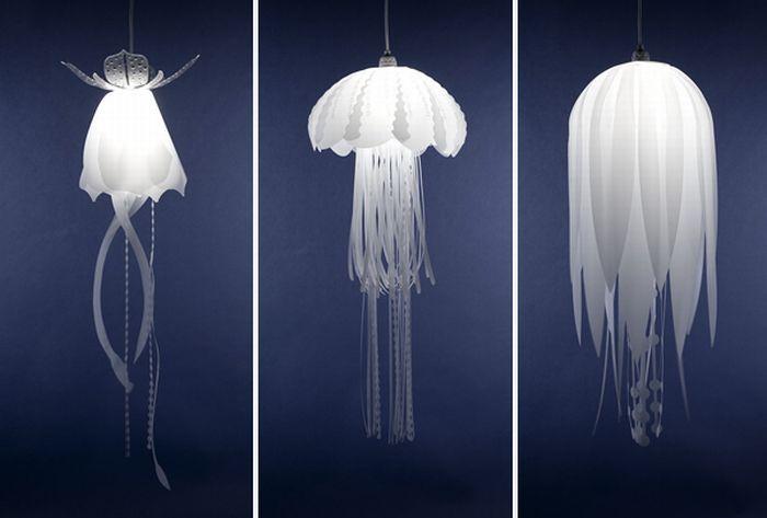 Las lámparas hechas con medusas muertas