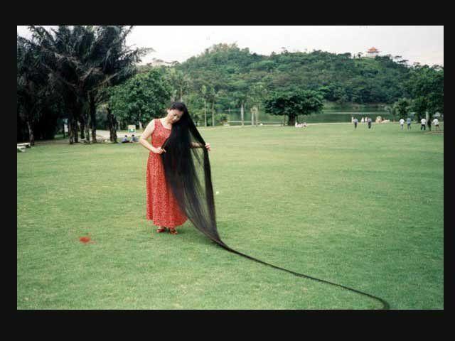 La mujer con el pelo más largo del mundo