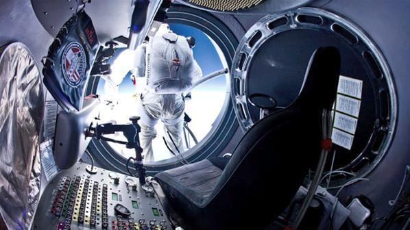 Fotos de el Salto desde la Estratosfera 4