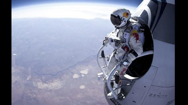 Fotos de el Salto desde la Estratosfera 7