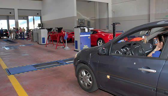 Coche en Inspección Técnica Vehicular