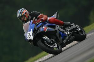 Equipo de seguridad para un motociclista