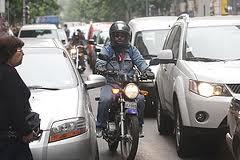 La moto frente a los demás vehículos. Prevención de accidentes