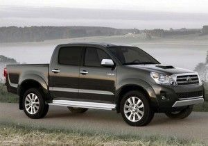 2014-Toyota-Hilux-side-view