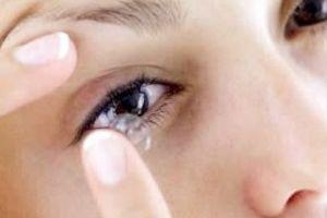 Perdió la visión por abuso de las lentes de contacto