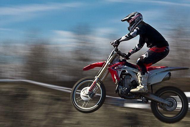 moto-190477_640
