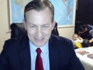 Entrevista del Profesor de la BBC Interrumpida por sus Hijos