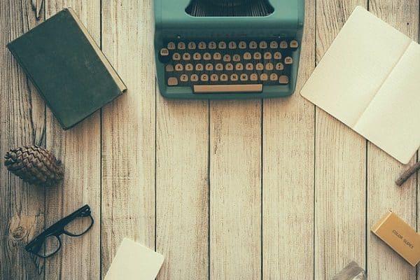 Pros y Contras de Ganar Dinero como Escritor Fantasma