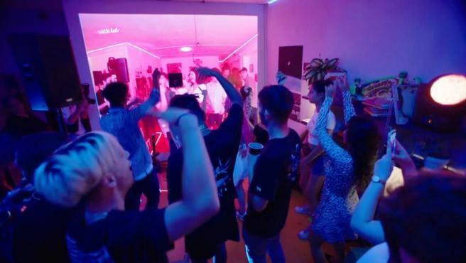 Organizar Fiesta Con Musica En Casa